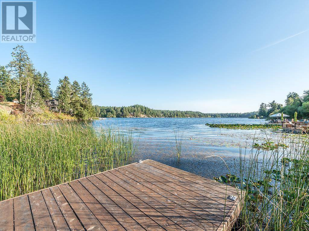 5059 Prospect Lake Road, Victoria | Image 1
