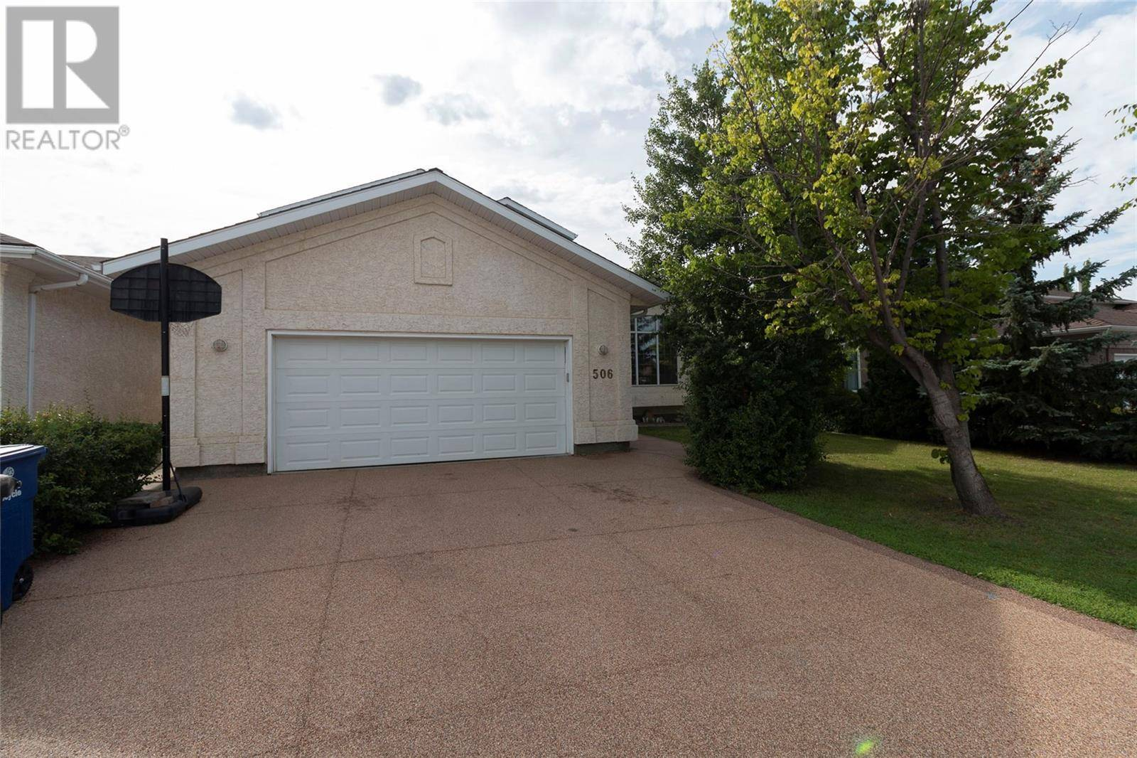 House for sale at 506 Blackthorn Cres Saskatoon Saskatchewan - MLS: SK779462
