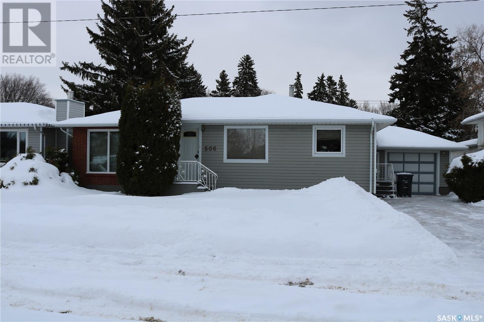 House for sale at 506 T Ave N Saskatoon Saskatchewan - MLS: SK839395