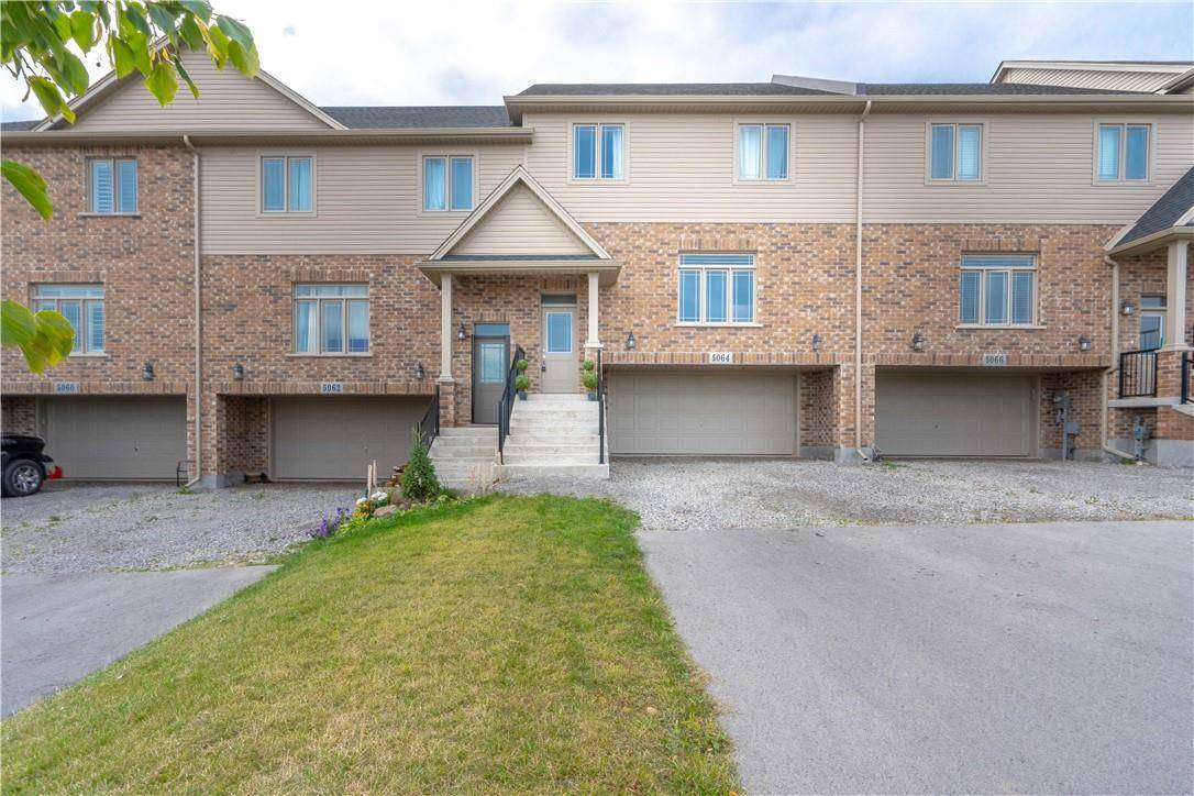 Townhouse for sale at 5064 Cassandra Dr Beamsville Ontario - MLS: H4065173