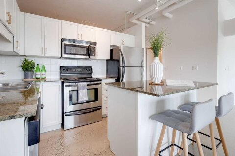 Condo for sale at 2 Fieldway Rd Unit 507 Toronto Ontario - MLS: W4999465
