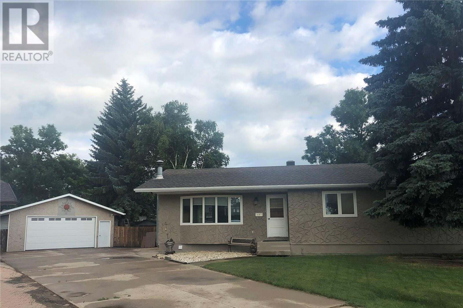 House for sale at 507 Grant By Esterhazy Saskatchewan - MLS: SK815200