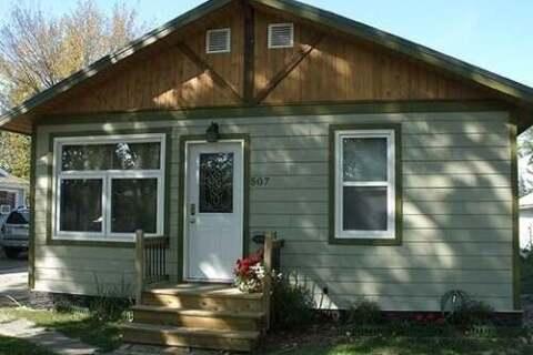 House for sale at 507 Maple St Maple Creek Saskatchewan - MLS: SK807891