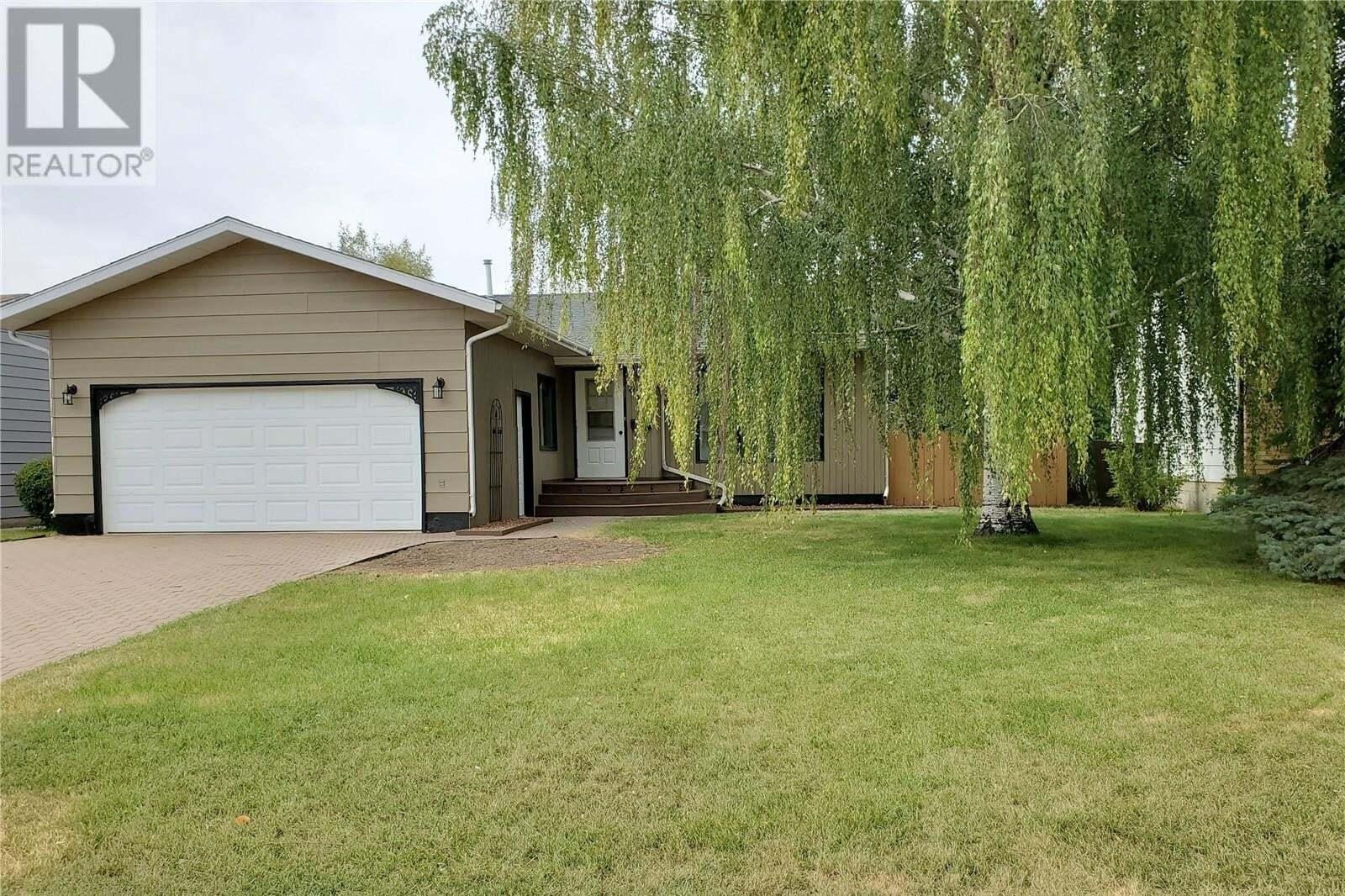 House for sale at 508 Mcgillivray St Outlook Saskatchewan - MLS: SK821225