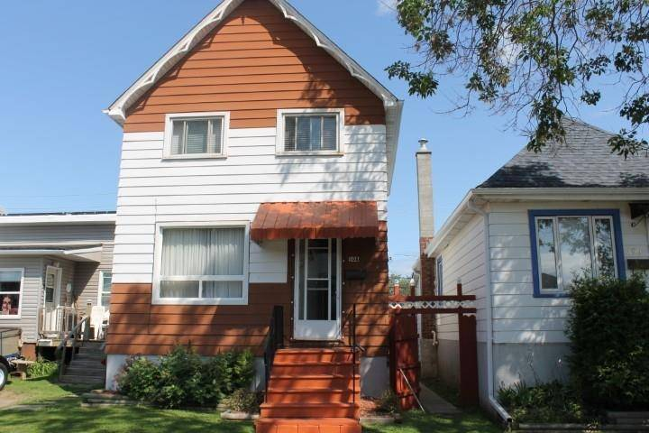 House for sale at 508 Wiley St Thunder Bay Ontario - MLS: TB192925