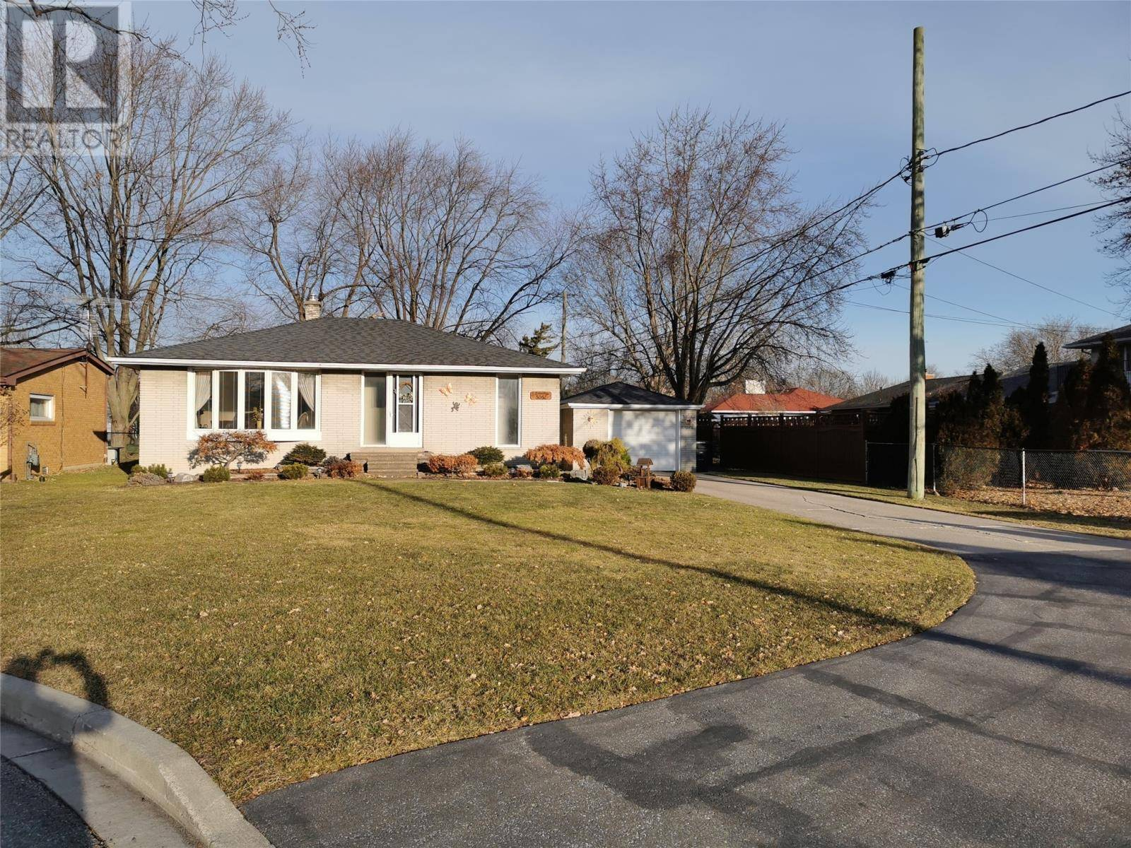 House for sale at 5082 Mcdonald Ct Windsor Ontario - MLS: 20000832