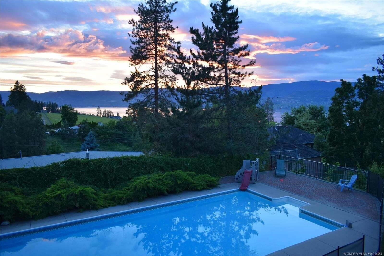 House for sale at 5082 Weiss Ct Kelowna British Columbia - MLS: 10214654
