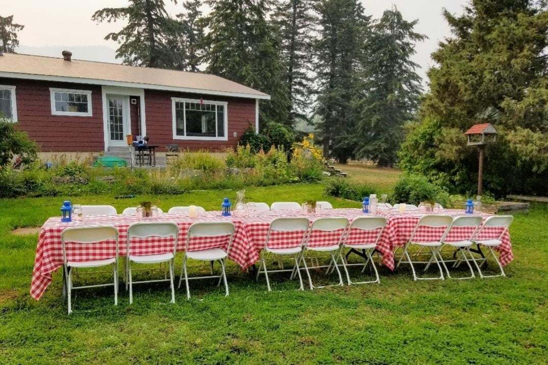 House for sale at 5089 Cedar Hill Rd Falkland British Columbia - MLS: 10202080