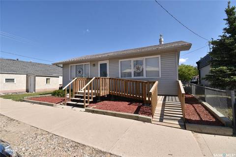 House for sale at 509 1st St Hanley Saskatchewan - MLS: SK796698