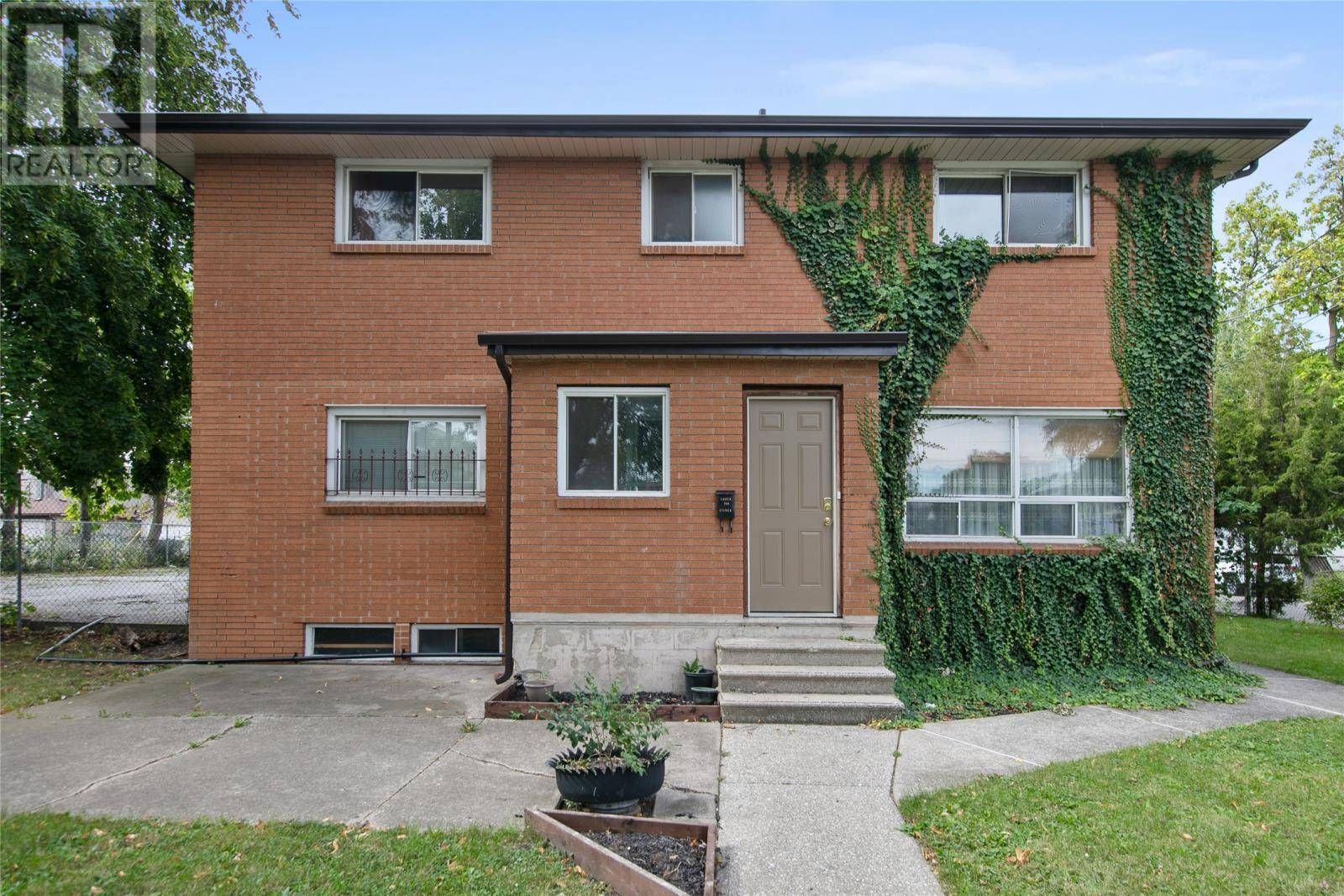 Townhouse for sale at 509 Aylmer  Windsor Ontario - MLS: 19025995
