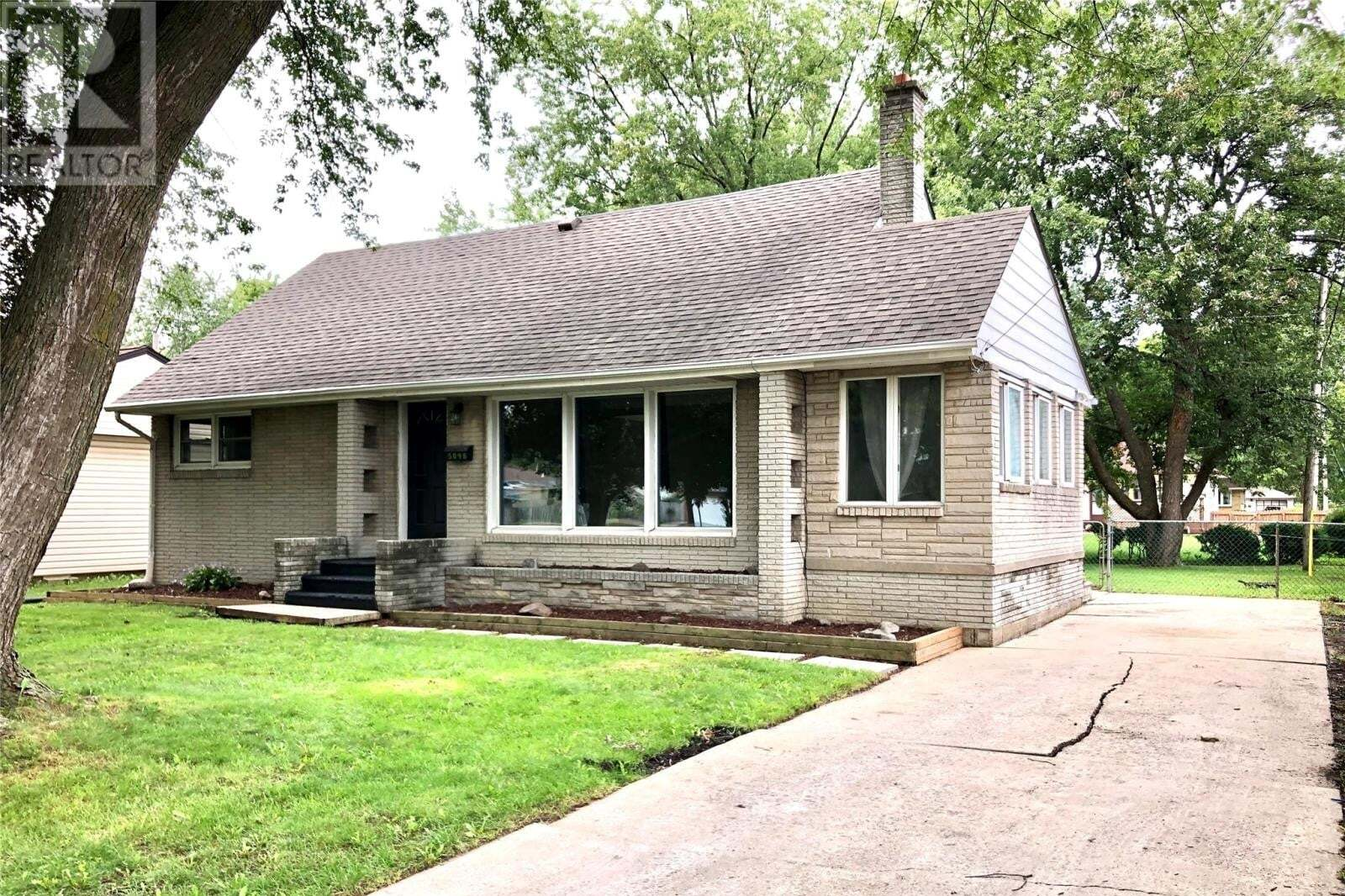 House for sale at 5098 Pasadena Ct Windsor Ontario - MLS: 20012211