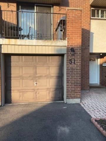Condo for sale at 1051 Cedarglen Gt Unit 51 Mississauga Ontario - MLS: W4732508