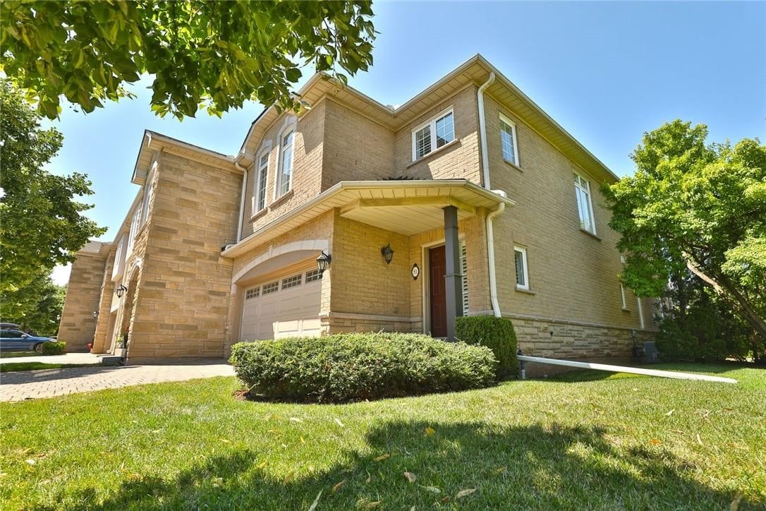 Townhouse for sale at 1267 Dorval Dr Unit 51 Oakville Ontario - MLS: H4084922