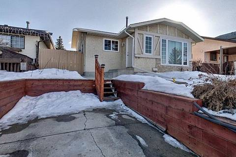 House for sale at 51 Castlebrook Rd Northeast Calgary Alberta - MLS: C4289936