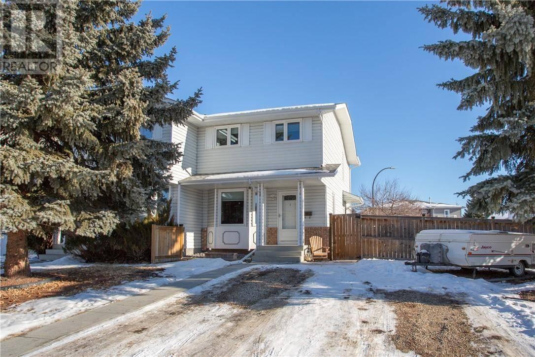 Townhouse for sale at 51 Escott Cs Red Deer Alberta - MLS: ca0186688