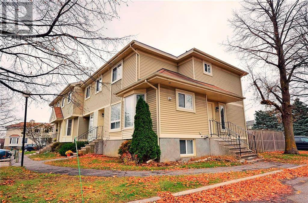 Townhouse for sale at 51 Mcdermot Ct Ottawa Ontario - MLS: 1175243