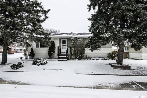 House for sale at 51 Mcinnis Cres Regina Saskatchewan - MLS: SK790166
