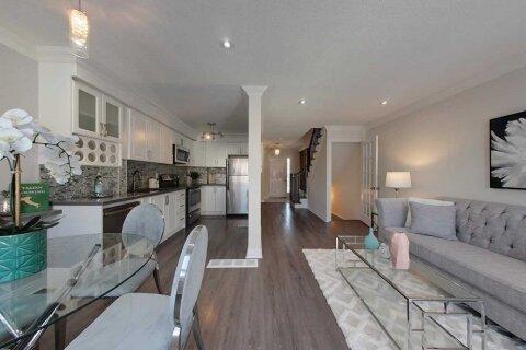 Townhouse for sale at 51 Muirland Cres Brampton Ontario - MLS: W5056348