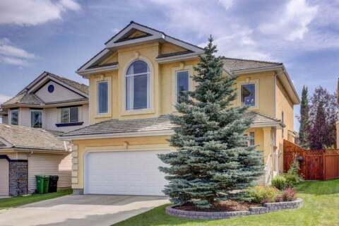 House for sale at 51 Valley Ponds Wy NW Calgary Alberta - MLS: A1028557