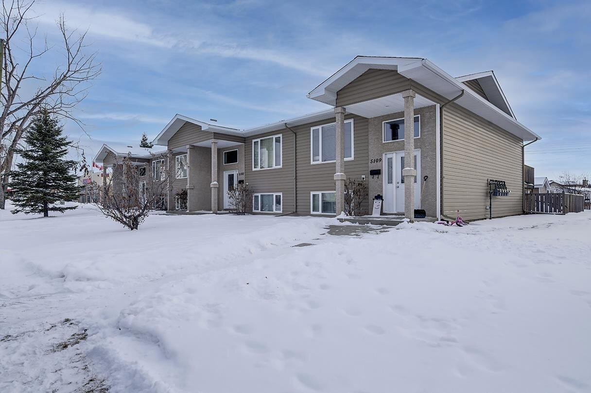 Townhouse for sale at 5109 45 Av Unit 5101,5103 Millet Alberta - MLS: E4221814