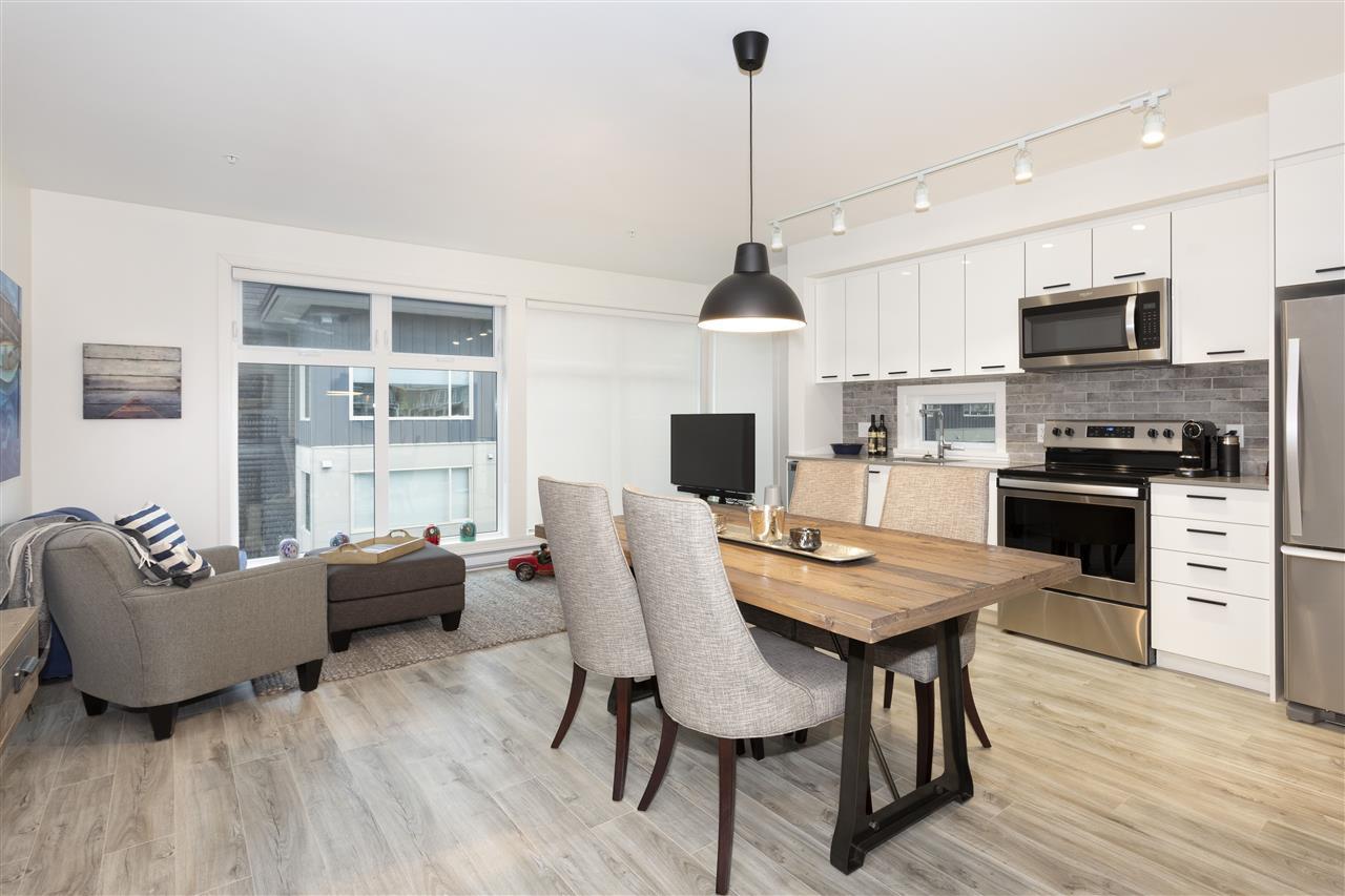 For Sale: 511 - 38013 Third Avenue, Squamish, BC   2 Bed, 1 Bath Condo for $479000.