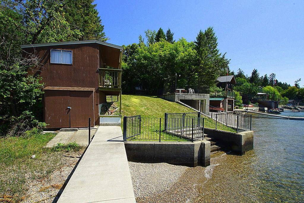 Residential property for sale at 511 Lakeview Place  Windermere British Columbia - MLS: 2439656