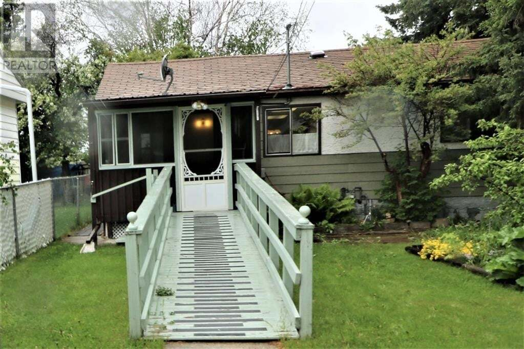 Residential property for sale at 5117 52 St Northwest Entwistle Alberta - MLS: A1003430
