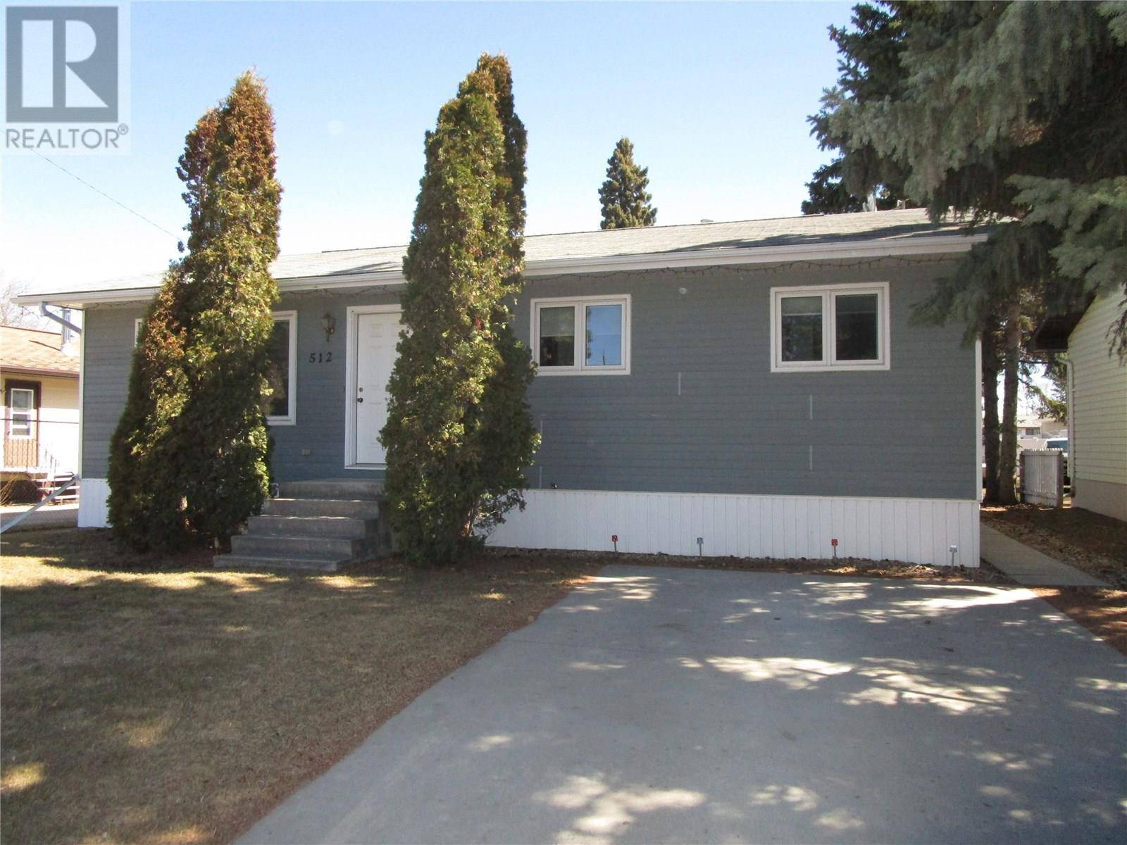 House for sale at 512 4th St E Wynyard Saskatchewan - MLS: SK767810