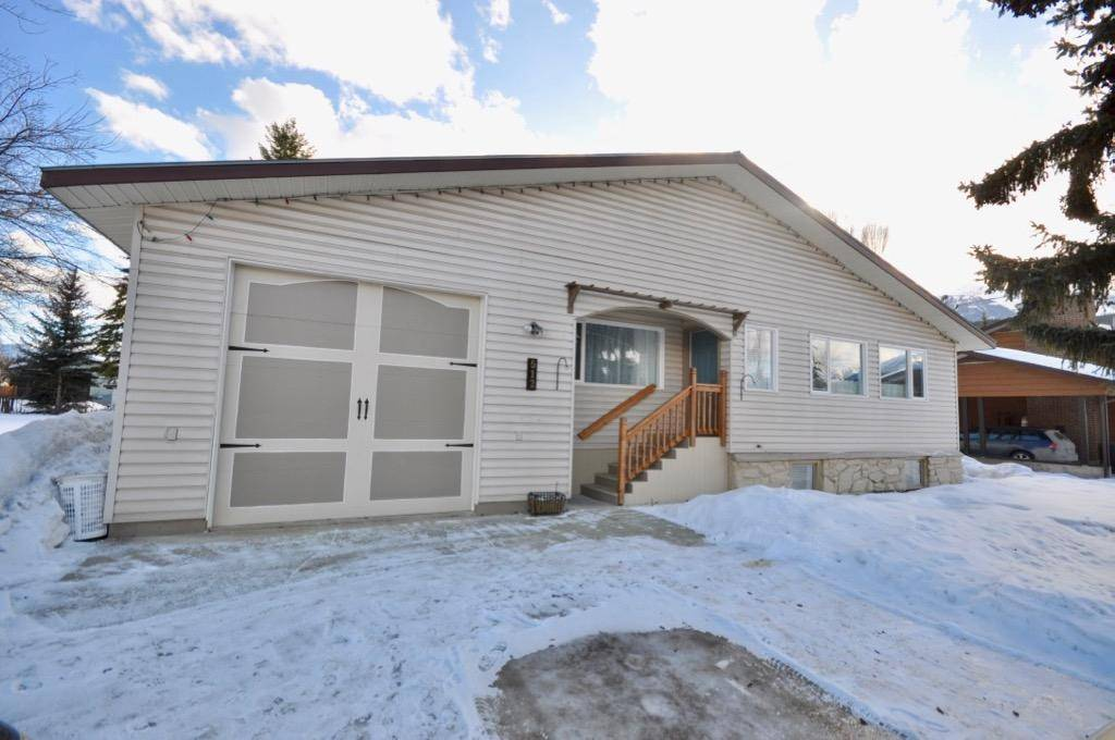 House for sale at 512 5th Street  Golden British Columbia - MLS: 2450860