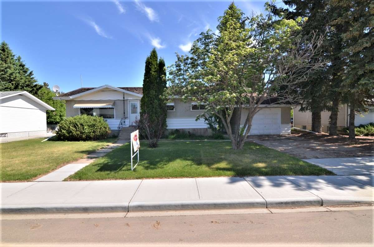 For Sale: 5124 54 Avenue, Tofield, AB | 5 Bed, 2 Bath House for $209,500. See 21 photos!