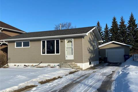 House for sale at 513 Babyak St Esterhazy Saskatchewan - MLS: SK800443