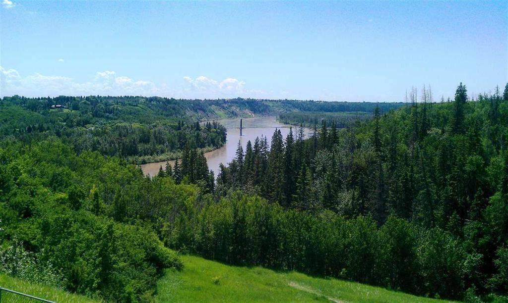 Home for sale at 513 Hillcrest Pt Nw Edmonton Alberta - MLS: E4180097