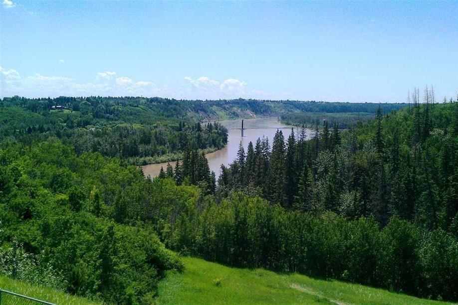 Home for sale at 513 Hillcrest Pt NW Edmonton Alberta - MLS: E4221666