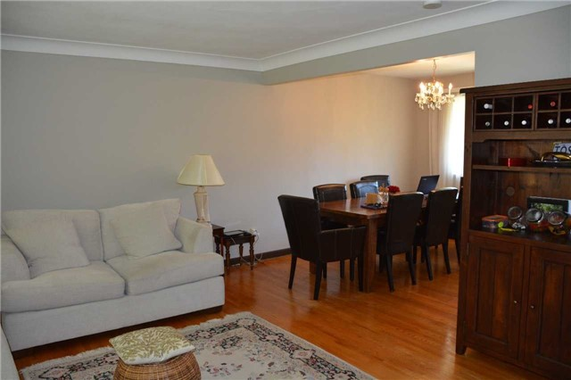 For Rent: 5134 Mulberry Drive, Burlington, ON | 3 Bed, 2 Bath House for $2,490. See 13 photos!