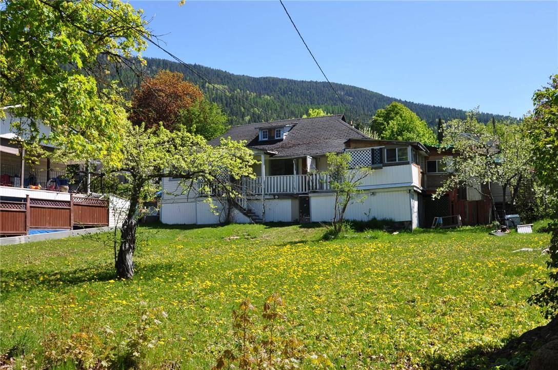 House for sale at 514 Robson St Nelson British Columbia - MLS: 2438006