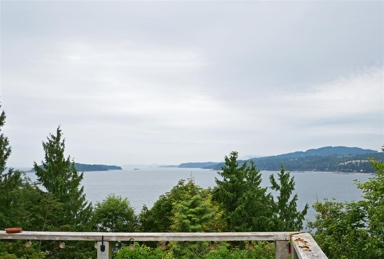 For Sale: 5147 Sunshine Coast Highway, Sechelt, BC | 2 Bed, 1 Bath House for $999,000. See 9 photos!