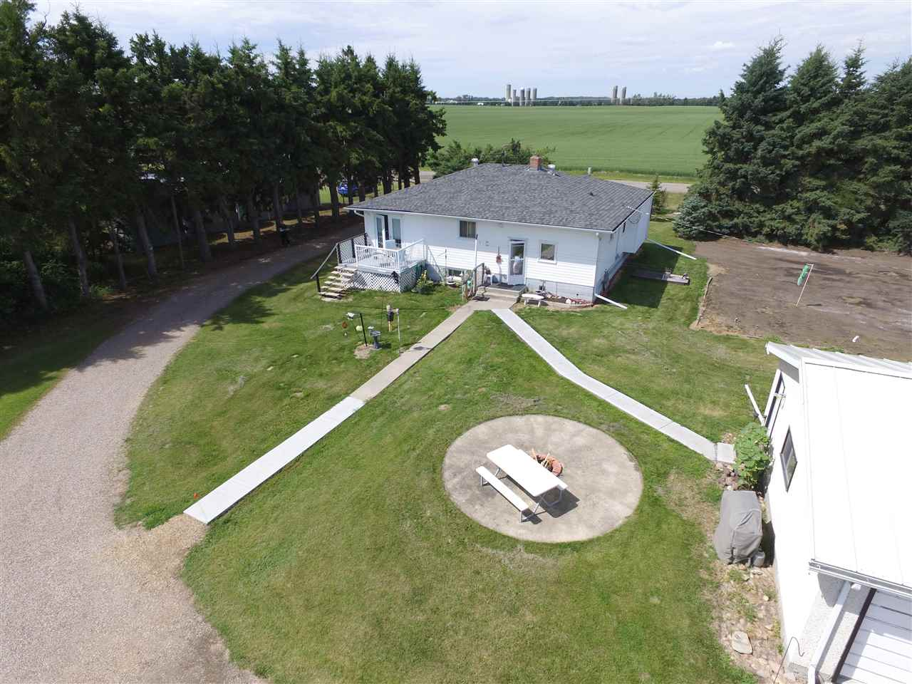 For Sale: 51513 Range Road 13, Rural Parkland County, AB | 3 Bed, 2 Bath House for $450,000. See 30 photos!