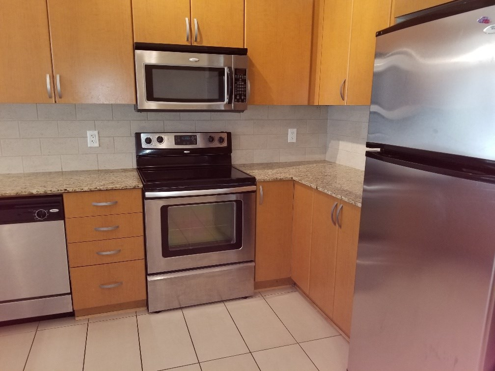 Sold: 517 - 13733 107a Avenue, Surrey, BC