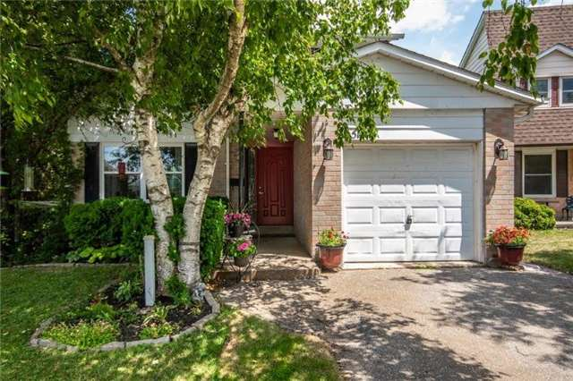 Sold: 517 Cody Crescent, Newmarket, ON
