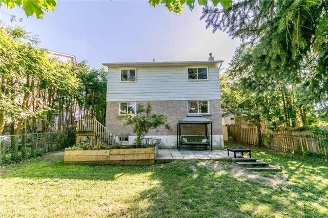 For Sale: 517 Cody Crescent, Newmarket, ON | 4 Bed, 2 Bath House for $595,000. See 16 photos!