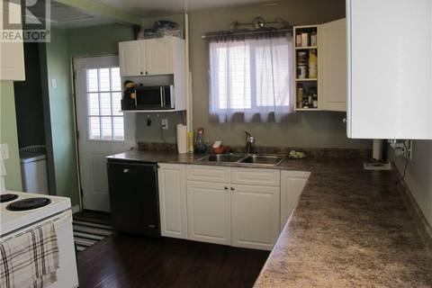 House for sale at 517 Henry St Estevan Saskatchewan - MLS: SK748525