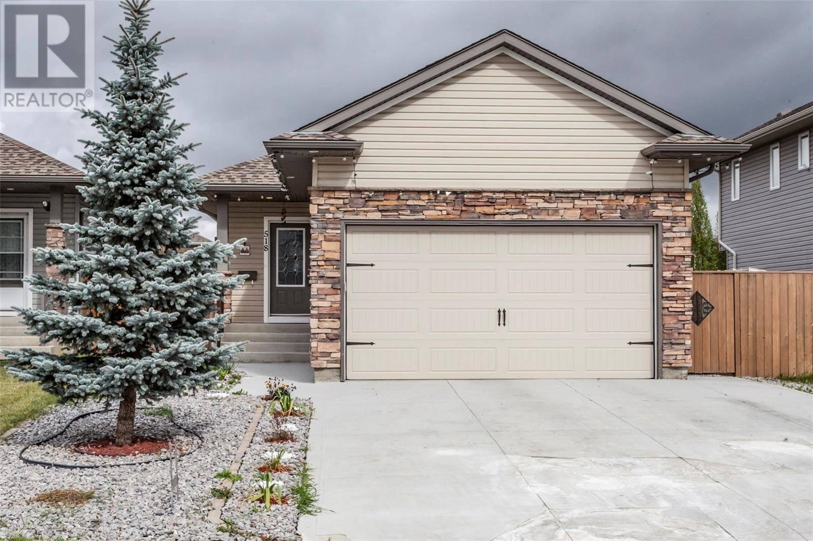 House for sale at 518 Hampton Blvd East Saskatoon Saskatchewan - MLS: SK786467