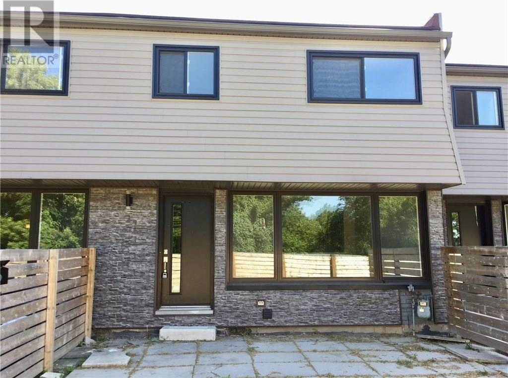 Townhouse for rent at 280 Montmorency Dr Unit 519 Hamilton Ontario - MLS: 30757872