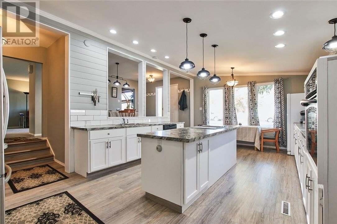 House for sale at 519 3 St Northwest Medicine Hat Alberta - MLS: MH0181380