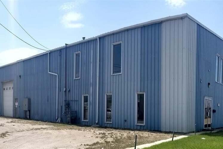 Commercial property for sale at 519 48th St E Saskatoon Saskatchewan - MLS: SK812821