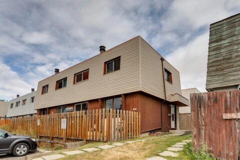 Townhouse for sale at 519 64 Ave NE Calgary Alberta - MLS: A1032234