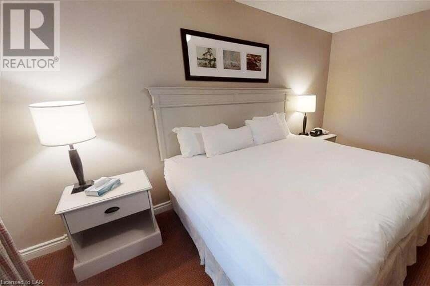 Condo for sale at 104 Deerhurst - Summit Lodge Dr Unit 52 Huntsville Ontario - MLS: 263028