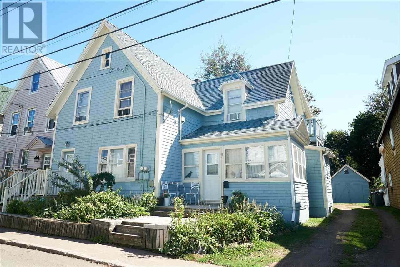 Townhouse for sale at 52 Bayfield St Charlottetown Prince Edward Island - MLS: 202018888
