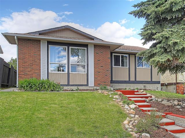 Sold: 52 Bedford Circle Northeast, Calgary, AB