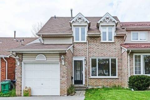Townhouse for sale at 52 Courtleigh Sq Brampton Ontario - MLS: W4453882